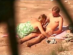 Awesome Public Beach Amateur Actie : Watching The Wildlife