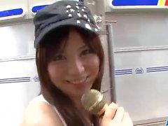 Schöne Dreier Aktion entlang verworrene Karen Natsuhara