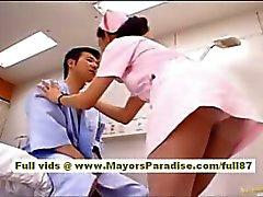 Nao Yoshizaki Seksi Çinli kız bir otobüs yolculuğu sahiptir