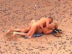 Auf Strand 5 durchgefickt