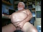 Barriga grande Grandpa dos empurrões Off da a Câmara