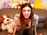 Красота веб-камеры и ее игрушки имеют сольный секс