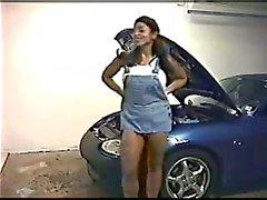Indischer Pornostar Angela Devi Streifen am einem heißen Auto