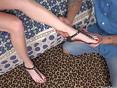 Kadenz Lux hat ihr Feet verehrt und bei Dachter
