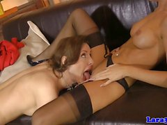 Glam mature eats gorgeous babes pussy
