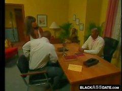 Mujer negra quiere coger en la clínica