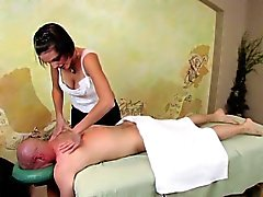 Dagfs Busty Teens Massage obtient son Cock Rock Hard