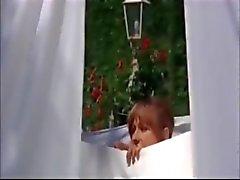 Orchid De Santis como de limpeza deslumbrante a partir de La nipote de filme (p2 )