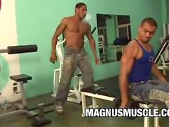 Rick Masone und Charles Russells: Beefy Guys Gym Anal Session