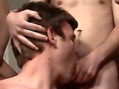 Gay porn Bukkake hermostunut Naatan