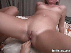 Sexy del Lesbica russa Diciottenni Strapon Inculata con pugni