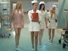 Sjuksköterskor fläktar Släpvagn