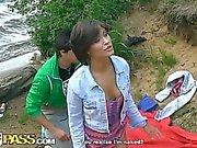 Relações sexuais Student na areia com Hottie