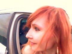 Jeny Smith nudità pubblica sulla strada