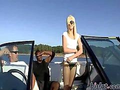 Weinbrand erfolgt mit dem Boot