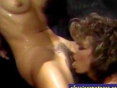 Классика Lesbian порно в джакузи