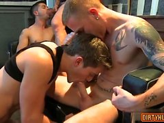 Muscle Gay sexo oral y corrida