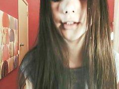 monicutex adolescente masturbando na webcam em directo