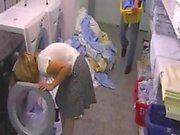 Hotelschlampe in der der Waeschekammer gefickt nach snahbrandy