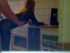 Teenager che a Nylons scopate della cucina