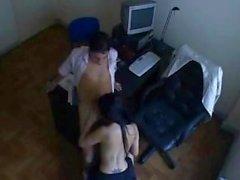 Gizli Cam SEX'de ofisindeki patronuyla Hintli sekreter lanetliyor