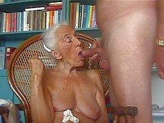Sapık büyükanne sevgilisi