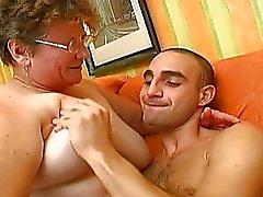 Cara de sorte ter o melhor sexo de sua vida com a avó
