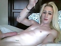 Blondinen Transsexual Hottie i Cumming Hård
