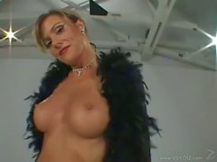Beautiful Milf Saskia Steele