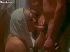 Mamada de laura gemser video porno De Caligula 2 De La Historia Nunca Contada De Laura Gemser Y Compania Clip N7000378 Xxx Vogue