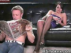 Heiße Massage zu Hause Zigarre rauchen Frauen Porno