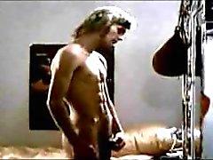 Gay jacking spento porno