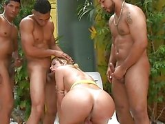 Booty tranny in hot gangbang poolside