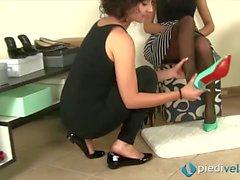 Italienisch Lesbisch Füße Sklave