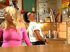 Tina (German slut) fuck in kitchen-creampie
