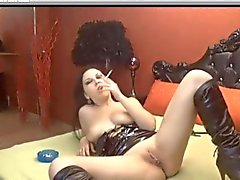 Calda Brunette che Smoking e Toying su Cam