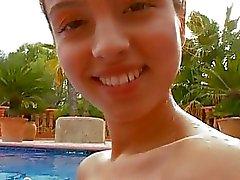 geile frauen nackt im schwimmbad