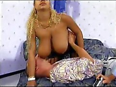 Really Big Tier Sex Titten Riesen 02 Szene 2 .