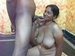 nackte indische arsch