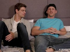 Nextdoorbuddies Michael Del Ray & Todd Roman sont Hung et HOT!