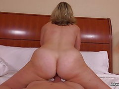 Sexy Natural Tits Bubble Butt Amateur Milf Fucked POV