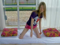 Flexible teenage girl Gloria in sexy panties