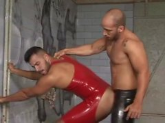 poppers de formation 5: [latex / rubber / slave] edition