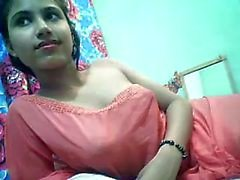 Indian hoty on cam for sexycam4u