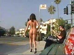 Straße nackte frauen auf der Nackte Frauen