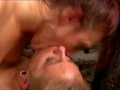 Lesbisch Küssen Meise Saugen