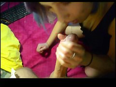 Amateur blonde girlfriend homemade blowjob and handjob