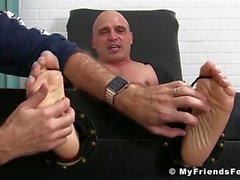 Große Füße kitzelte Aktien